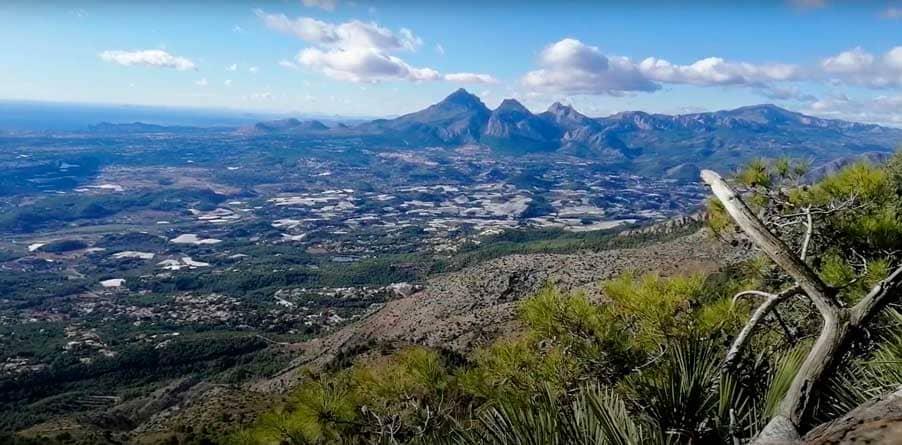 Recorrido-por-la-Serra-de-Bèrnia-senderismo-Alicante